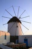 Moinho de vento de Greece Mykonos no crepúsculo Fotografia de Stock