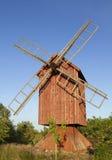 Moinho de vento de madeira velho. Imagens de Stock