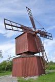 Moinho de vento de madeira vermelho Fotos de Stock Royalty Free