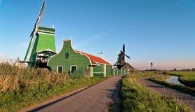Moinho de vento de Zaanse Schans na manhã imagens de stock royalty free