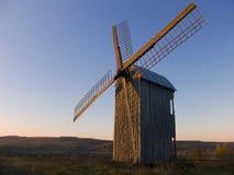 Moinho de vento do campo Fotografia de Stock Royalty Free