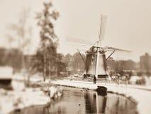 Moinho de vento do inverno imagem de stock