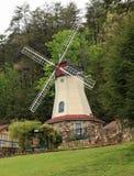 Moinho de vento em Helen Georgia fotografia de stock