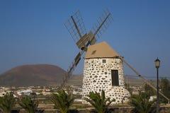 Moinho de vento em Ilhas Canárias Spai do Las Palmas de Lajares Fuerteventura Fotografia de Stock Royalty Free