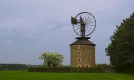 Moinho de vento em Ruprechtov Fotos de Stock Royalty Free
