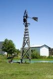 Moinho de vento em um ajuste wountry imagem de stock royalty free