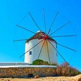 Moinho de vento grego tradicional Fotos de Stock