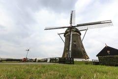Moinho de vento holandês, Leidschendam perto de Den Haag Fotos de Stock Royalty Free