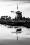 Moinho de vento holandês preto e branco Foto de Stock