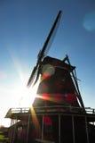 Moinho de vento holandês tradicional em Países Baixos Fotos de Stock Royalty Free
