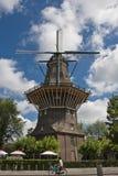 Moinho de vento na Holanda de Amsterdão foto de stock