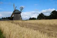 Moinho de vento na ilha Amrum no Mar do Norte, Alemanha foto de stock