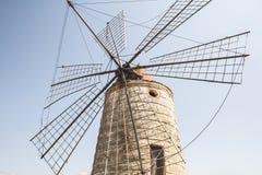 Moinho de vento siciliano velho Fotos de Stock