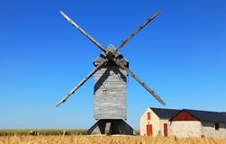 Moinho de vento tradicional Fotos de Stock Royalty Free