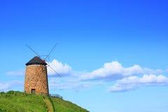 Moinho de vento velho, bonito Imagem de Stock