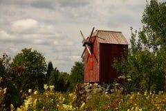 Moinho de vento velho na ilha de Saaremaa, Estônia Foto de Stock Royalty Free