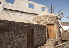 Moinho de vento velho tradicional em Ilhas Canárias de Gran, Espanha imagens de stock