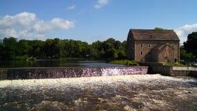 Moinho e cachoeira Fotografia de Stock