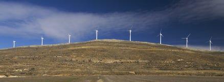 Moinhos de vento alinhados imagens de stock royalty free