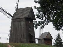 Moinhos de vento de madeira, Polônia Dziekanowice Imagem de Stock Royalty Free
