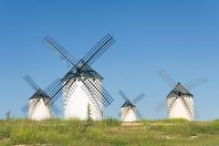 Moinhos de vento em Campo de Criptana Fotos de Stock Royalty Free