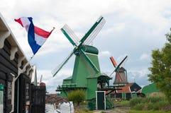 Moinhos de vento em schans do zaanse Fotos de Stock Royalty Free