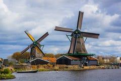 Moinhos de vento em Zaanse Schans - Países Baixos Fotografia de Stock