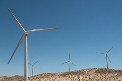 Moinhos de vento - energias eólicas fotos de stock royalty free