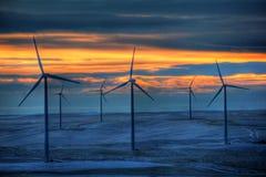 Moinhos de vento frio imagens de stock
