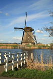 Moinhos de vento holandeses Imagens de Stock