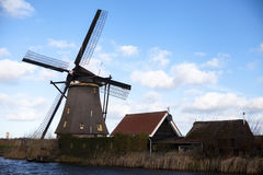 Moinhos de vento holandeses, Holanda, extensões rurais Moinhos de vento, o símbolo da Holanda Imagens de Stock