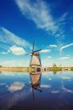 Moinhos de vento holandeses tradicionais do canal Rotterdam holland Imagens de Stock