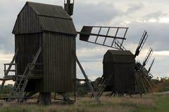 Moinhos de vento na Ã-terra Imagem de Stock