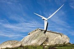 Moinhos de vento na parte superior de um montain Fotografia de Stock Royalty Free