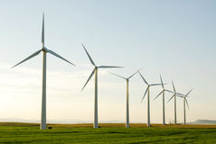 Moinhos de vento na pradaria Foto de Stock Royalty Free
