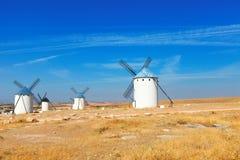 Moinhos de vento no La Mancha, Espanha Fotografia de Stock