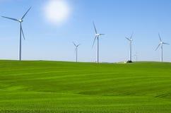Moinhos de vento para gerar energias eólicas Imagem de Stock