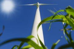 Moinhos de vento para gerar energias eólicas Imagens de Stock Royalty Free