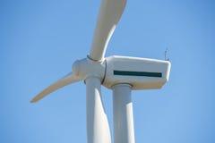Moinhos de vento para a produção da energia elétrica, poder do eco, turbina eólica Foto de Stock