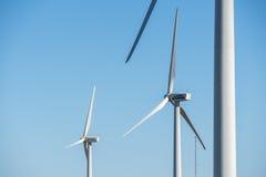 Moinhos de vento para a produção da energia elétrica, poder do eco, turbina eólica Foto de Stock Royalty Free
