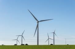 Moinhos de vento para a produção da energia elétrica, poder do eco, turbina eólica Imagens de Stock Royalty Free