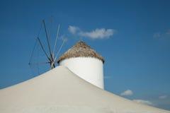 moinhos de vento típicos da região Foto de Stock