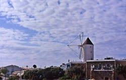 Moinhos de vento tradicionais de Menorca fotos de stock