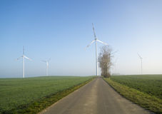 Moinhos de vento (turbinas eólicas) foto de stock royalty free