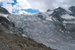Moiry glaciär Royaltyfri Foto