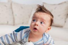 3 mois de bébé garçon Photos libres de droits