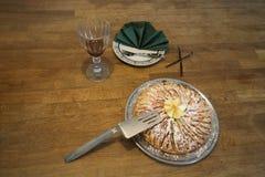 Moissonnez la tarte aux pommes de festival avec du sucre sur le dessus Photo libre de droits