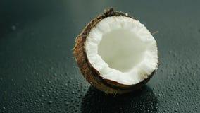 Moitié de la noix de coco fraîche blanche clips vidéos
