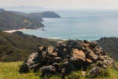 Mojón en la península de Coromandel foto de archivo