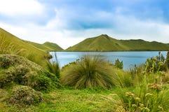 Mojanda lake i Ecuador Arkivbild